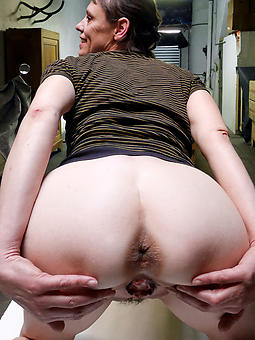 amature grown up lady ass unclothed photos