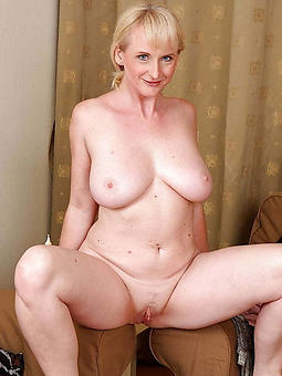 real milf full-grown tow-headed pics