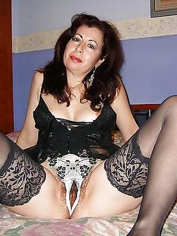 drab  mature big mamma brunette