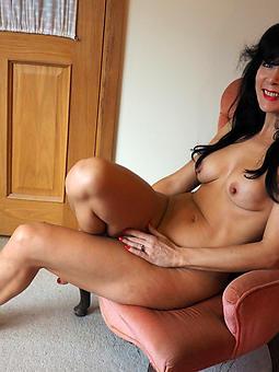 mature busty unilluminated nudes tumblr