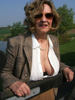 mammy glasses free porn pics