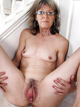 naked young gentleman glasses border
