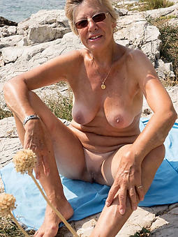 granny old lady pussy lips