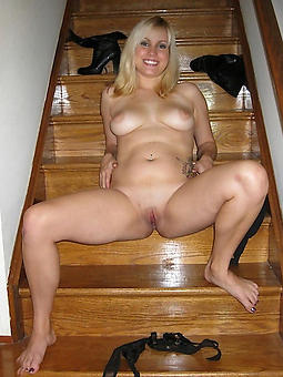mature housewives naked Bohemian porn pics