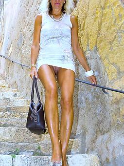 amature mature ladies legs