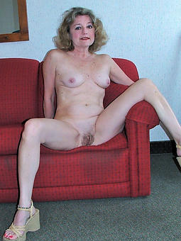 denude pictures be fitting of matured ladies legs