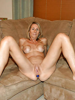 british naked mature go for a walk pic