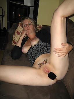 beautiful ladies masturbating pics