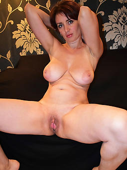 ideal najed lady mom pics