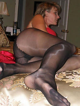 mature pussy in pantyhose porno