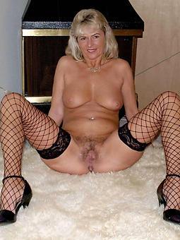 mature chesty wife amateur porn pics