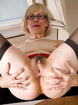 older laddie pussy free nude pics