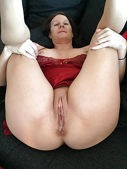ideal mature unsubtle with muted pussy porn pics