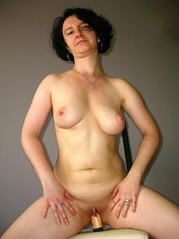wild grown up lady boobs photos