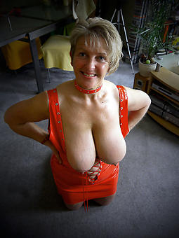 naked strata with fat boobs hot porn pics