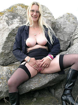 of age lady in stockings amature porn
