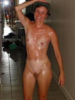 Skinny Naked Ladies Pics