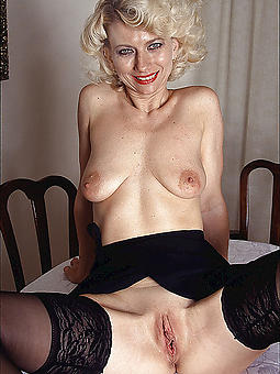 sweet shaved mature gentry porn pics
