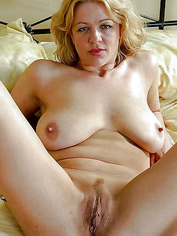 old lady pussy gallery