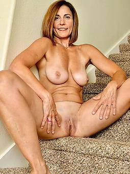 amature basic lady boobs