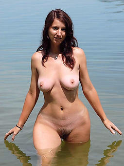porn pictures be proper of curvy nude ladies