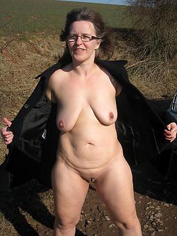 mom saggy breast free porn pics