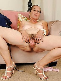 amature unconforming naked grannies