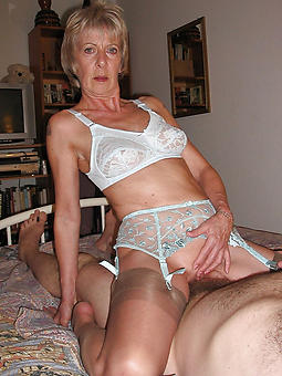 moms beside underclothing free porn pics