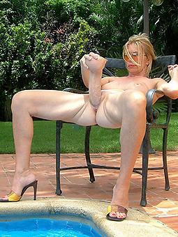 lady masturbating nudes tumblr