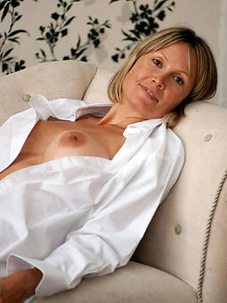 beautiful naked moms stripping