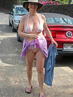 Lady In Bikini Pics