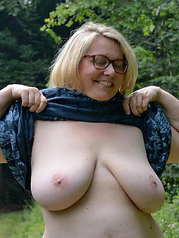 hot matures in glasses freebooting