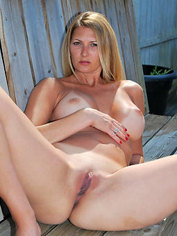 porn pictures of hot naked milfs