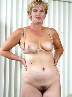curvy swanky naked ladies