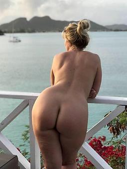 hotties big booty moms pics