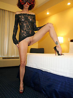 sexy mom limbs stripping