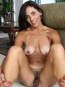 hotties naked shady mature ladies