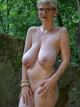 hot moms saggy knockers stripping