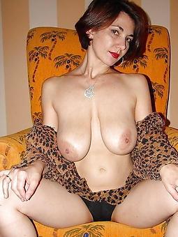 hotties mature big saggy tits pics