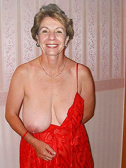 amature nude strata over 60 hot pics