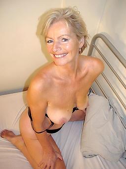 beautiful naked moms erotic pics
