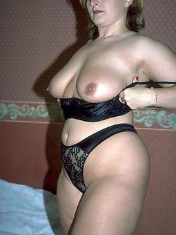 snazzy nude moms amature porn