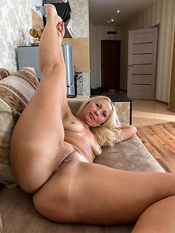 shaved uncovered ladies amature porn