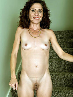 amature small boob mom naked pics