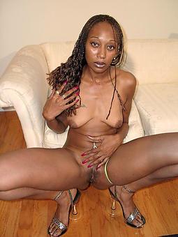 amature mature black moms undecorated gallery