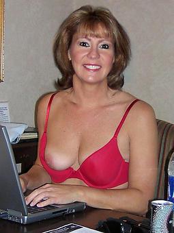 hot nude grown-up moms