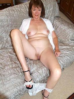 perfect pretty nude mature women