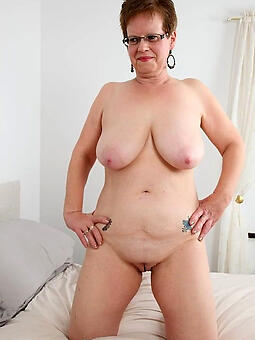 complete naked housewives brigandage