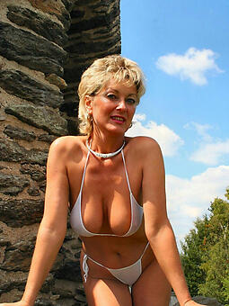 free hot ladies in bikinis xxx pics