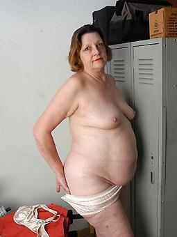 seductive chubby moms naked pics